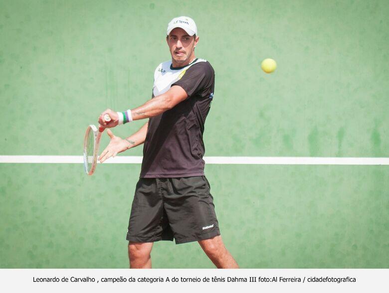 Tênis invade condomínios em São Carlos e estimula torneios - Crédito: Al Ferreira/cidade fotográfica