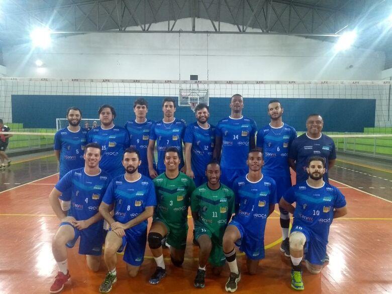 São Carlos vence e mantém chances de classificação na APV - Crédito: Marcos Escrivani
