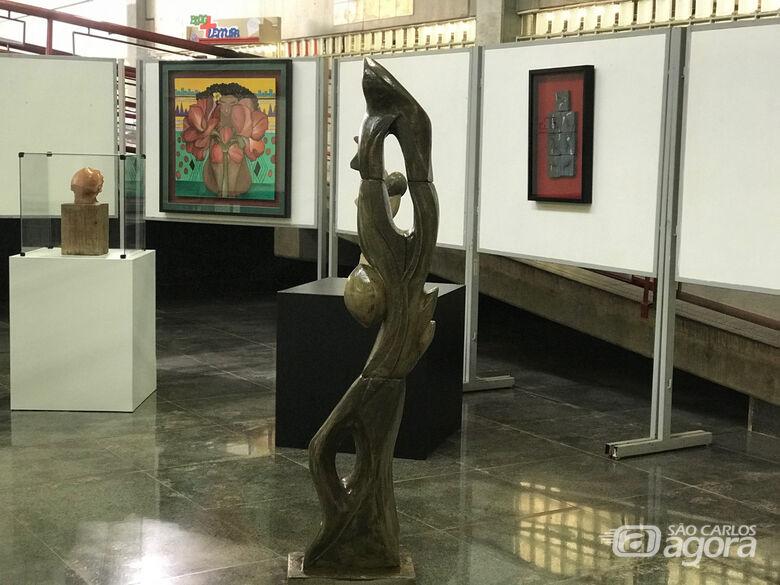 Esculturas da mostra foram inspiradas na cultura afro-grega - Crédito: Adriana Arruda/CCS-UFSCar