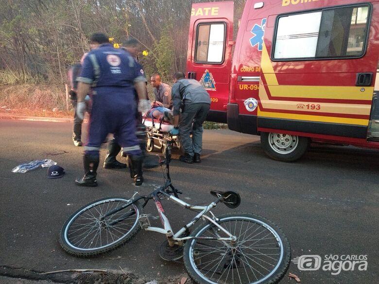 Ciclista sofre vários ferimentos após acidente no Medeiros - Crédito: Luciano Lopes