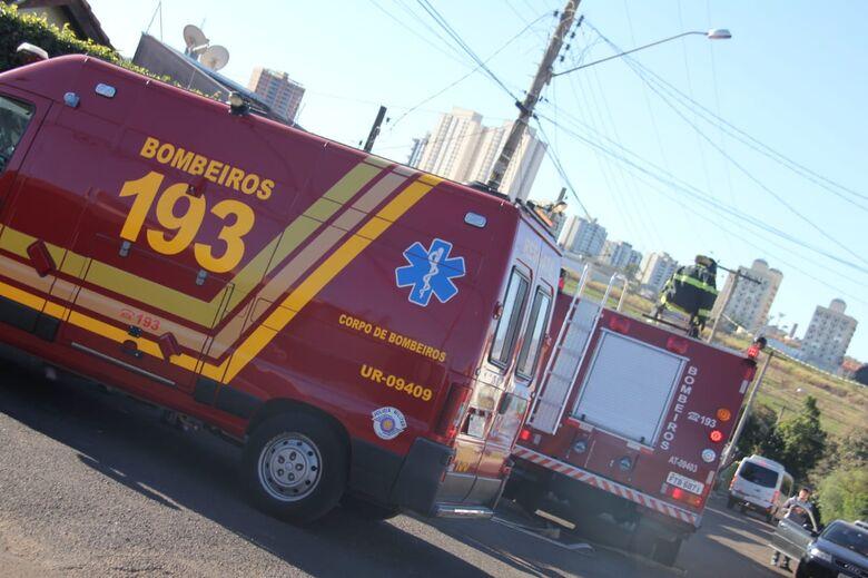 Vela causa princípio de incêndio em residência - Crédito: Maycon Maximino