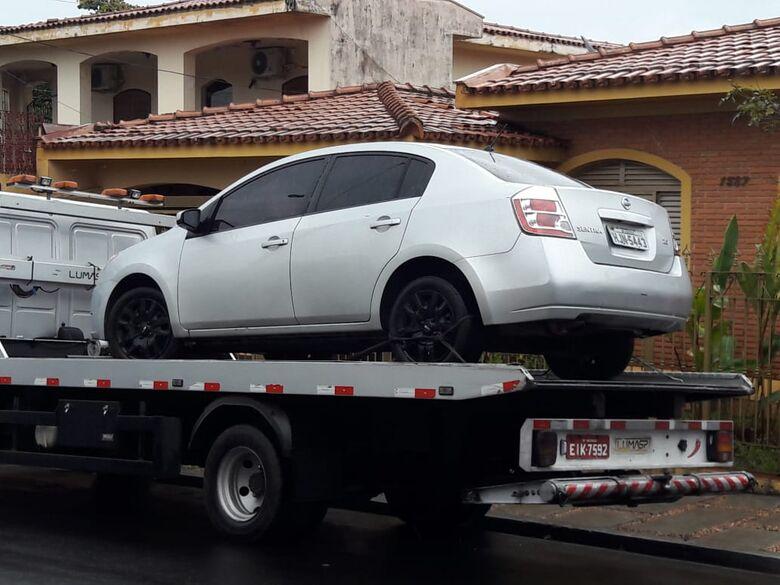 Carro furtado utilizado em assalto em São Carlos é localizado pela PM - Crédito: Maycon Maximino