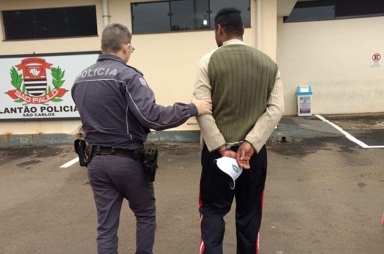 Mulher chama a Polícia Militar e diz que apanha do marido há 19 anos - Crédito: Luciano Lopes