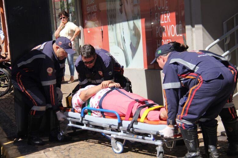 Colisão no centro deixa uma mulher ferida - Crédito: Maycon Maximino