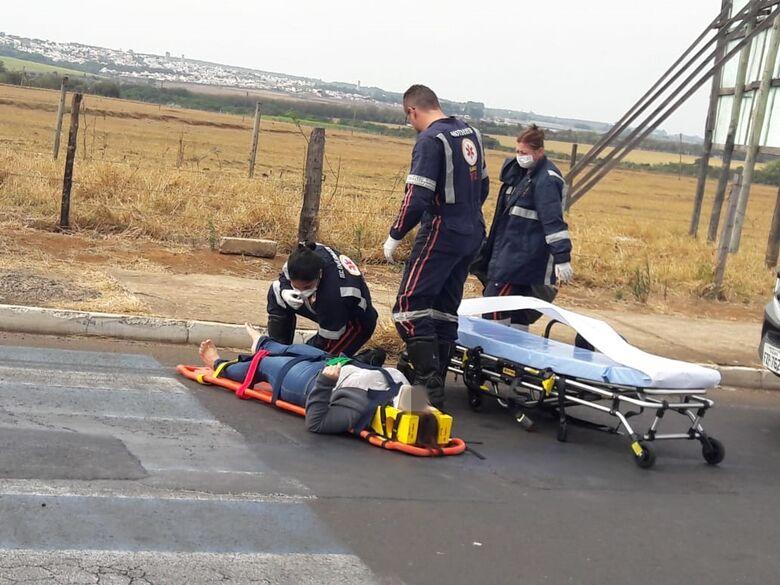 Motos colidem e garupa fica ferida - Crédito: Maycon Maximino
