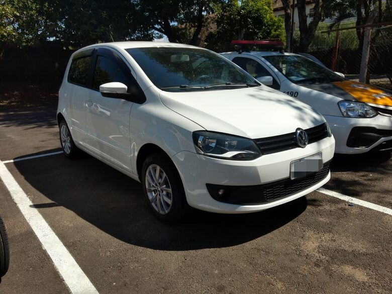 Ao atender suposto tráfico, PM apreende carro envolvido em estelionato - Crédito: Luciano Lopes