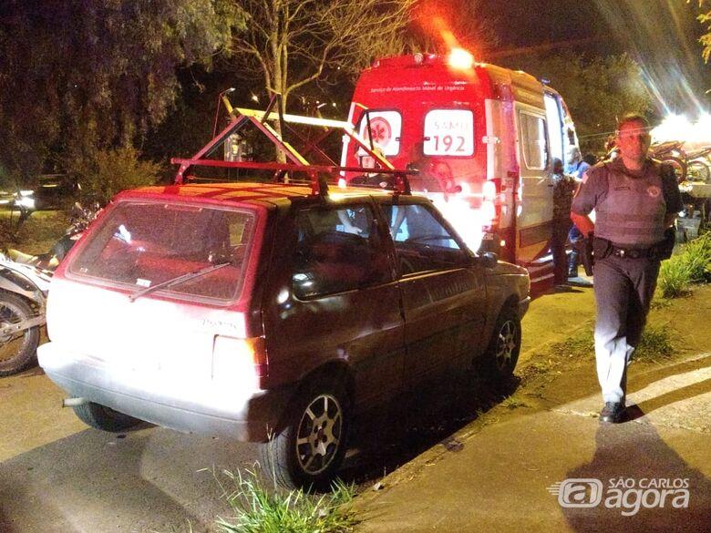 Motorista de caminhonete persegue Uno após colisão - Crédito: Luciano Lopes
