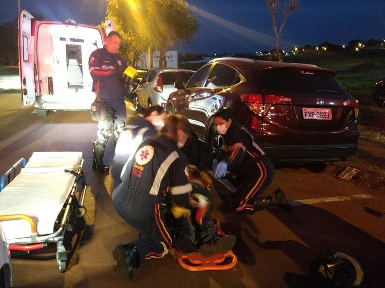 Motoboy bate na traseira de carro na região do SESC - Crédito: Luciano Lopes