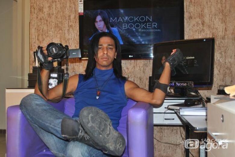 Mayckon Booker: conheça a vida do dançarino, modelo, fotógrafo e empresário são-carlense - Crédito: Abner Amiel/Folha São Carlos e Região