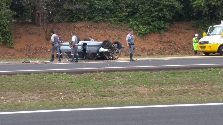 Colisão seguida de capotamento deixa dois mortos na Washington Luis - Crédito: Jornal Cidades