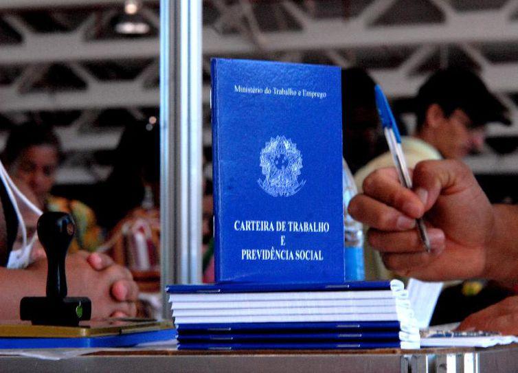 Agências dos Correios poderão emitir carteira profissional sem custo - Crédito: Marcello Casal Jr./Agência Brasil