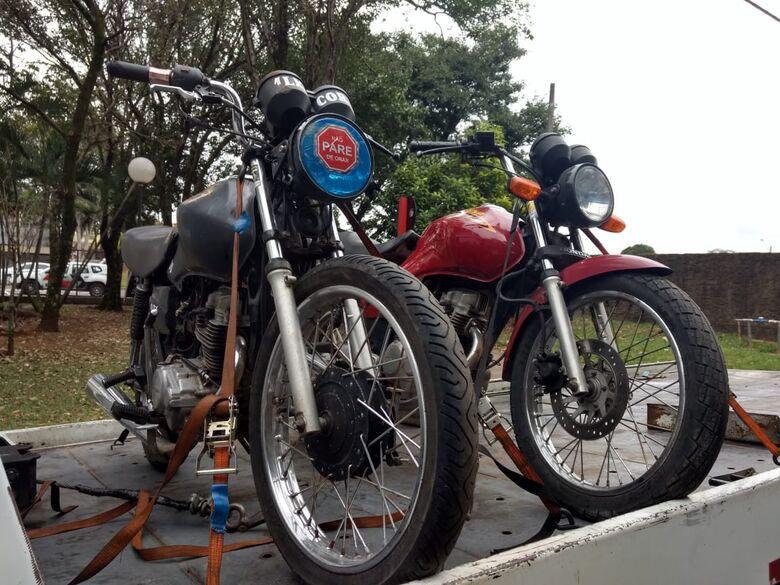 Jovens iriam esconder motos atrás da UPA Aracy - Crédito: Luciano Lopes