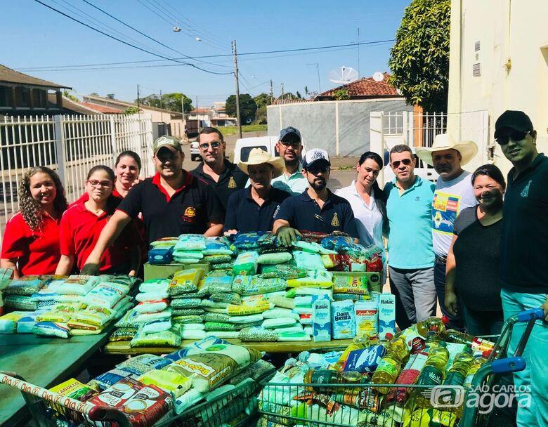 Paixão Sertaneja entrega 754 kg de alimentos ao abrigo Helena Dornfeld - Crédito: Divulgação