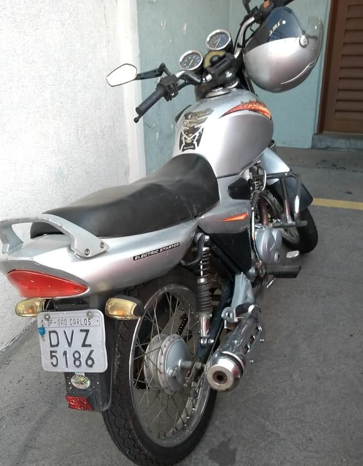 Adolescentes são flagrados com moto furtada - Crédito: Divulgação