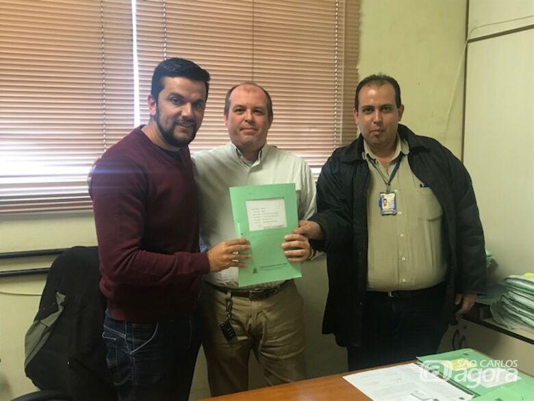 Rodson encaminha à Prefeitura lei que regulamenta o comércio ambulante no município - Crédito: Divulgação