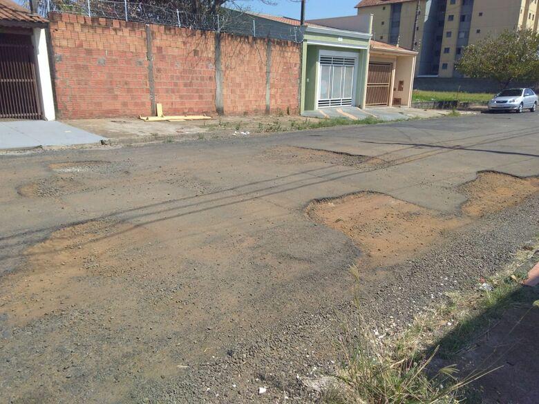 Rua no Nova Estância está intransitável, denuncia moradores - Crédito: Divulgação