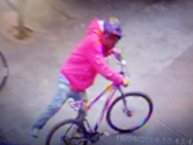 Bicicleta é furtada dentro de escola -
