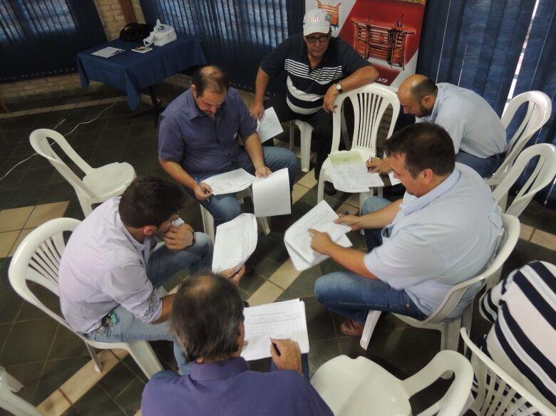 Pesquisadora da Embrapa São Carlos coordena palestra em Fernandópolis - Crédito: Ana Maio