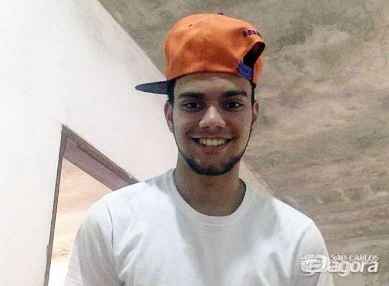 Jovem que morreu em acidente de moto será sepultado na manhã deste sábado - Crédito: Divulgação