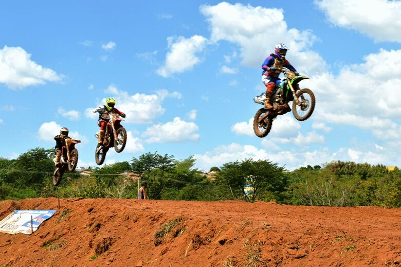 Motocross agitou o final de semana em Ibaté - Crédito: Divulgação