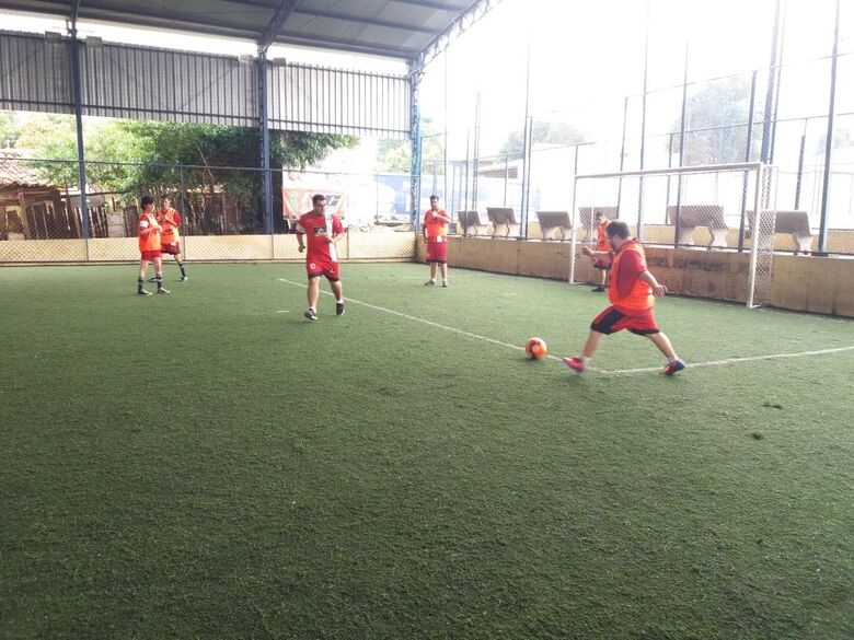 Crianças com necessidades especiais da Paralelo retorna às atividades recreativas no CE Multi Esporte - Crédito: Divulgação