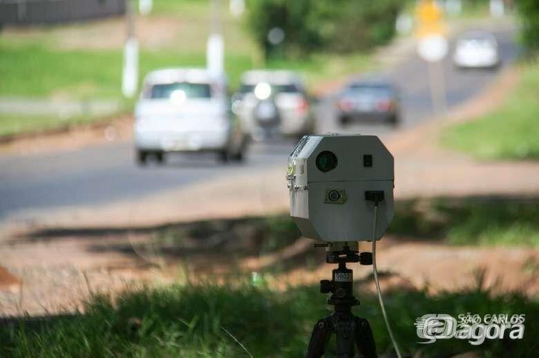 Confira a localização dos radares e das equipes de tapa-buraco nesta segunda-feira -