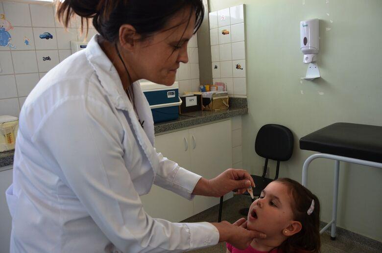 """No Dia """"D"""" são aplicadas 2.252 de vacinas contra paralisia infantil e sarampo - Crédito: Divulgação"""