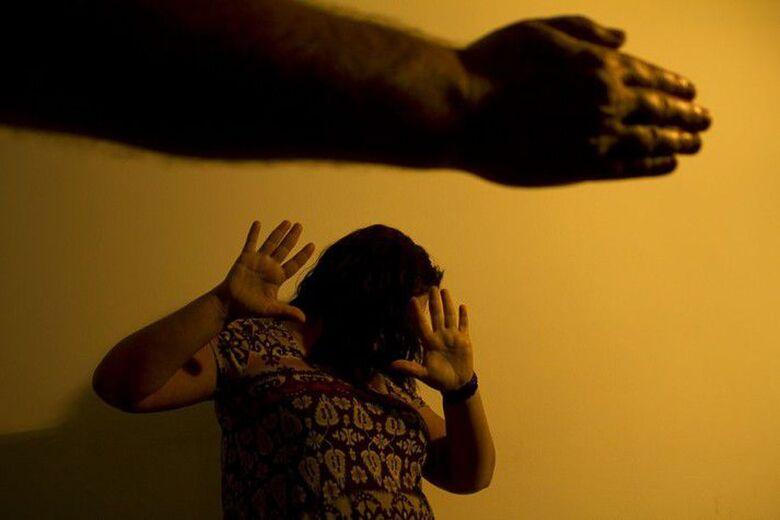 Denúncias de feminicídio e tentativas de assassinato chegam a 10 mil - Crédito: Marcos Santos/USP Imagens