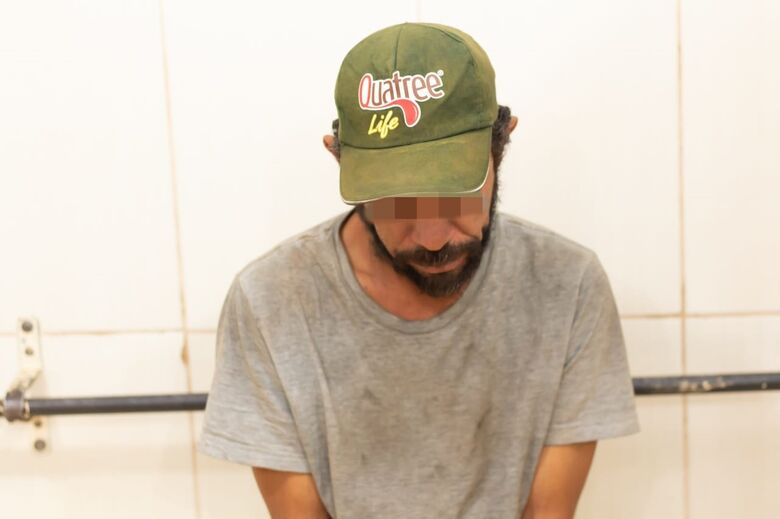 Homem é detido após praticar furto na Vila Nery - Crédito: Marco Lúcio