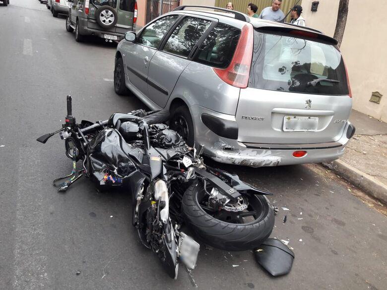 Motociclista sofre fratura exposta após colisão no Botafogo - Crédito: Maycon Maximino