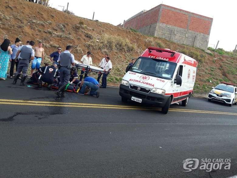 Pneu fura e motociclista sofre queda na Washington Luis - Crédito: Maycon Maximino