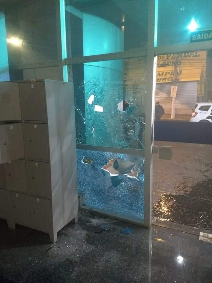 Madrugada de terror: bandidos atacam agências bancárias em Bauru - Crédito: Whatsapp
