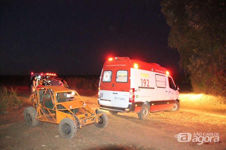 Acidente com 'gaiola' deixa dois feridos na área rural - Crédito: Maycon Maximino