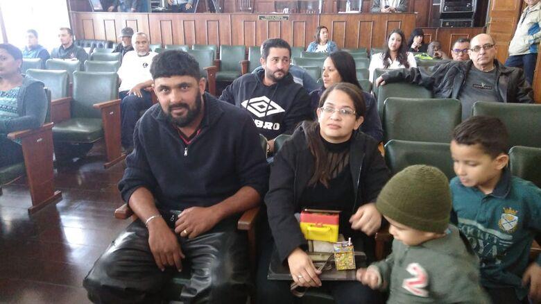 Polêmica dos Abertos chega à Câmara e pai protesta contra 'corte' nas aulas em escolas municipais - Crédito: Marcos Escrivani