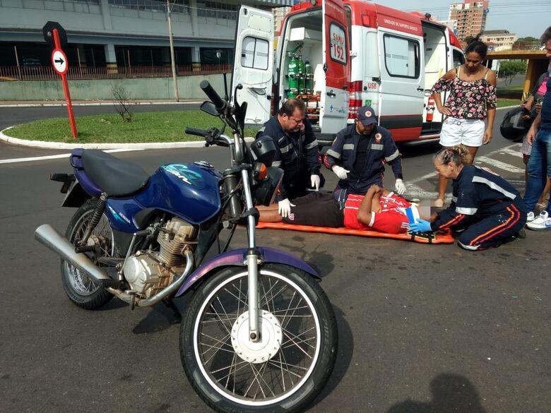 Motociclista bate em Kombi na Trabalhador São-carlense - Crédito: Luciano Lopes