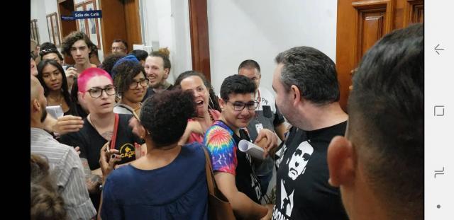 Presença de apoiadores de Bolsonaro gera discussão nos corredores da Câmara de São Carlos - Crédito: Abner Amiel/Folha São Carlos e Região
