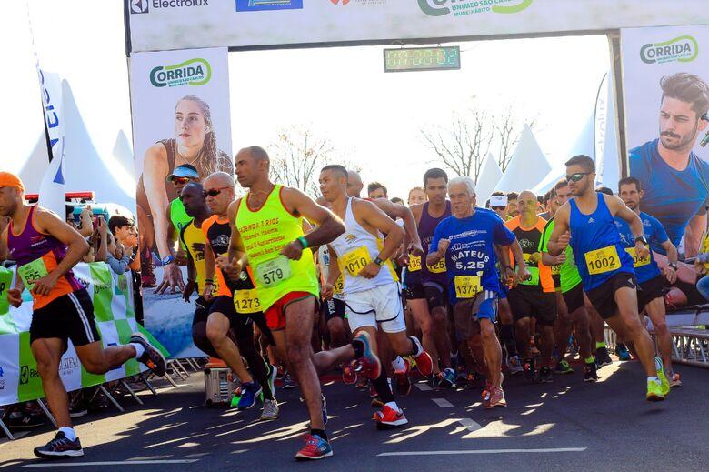De olho na qualidade de vida, 1,4 mil corredores brilham na 1ª Corrida Unimed - Crédito: Marco Lúcio