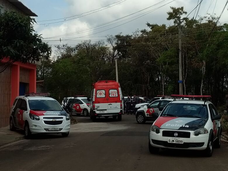 Homem morre em confronto com a PM no Zavaglia - Crédito: Fotos Luciano Lopes