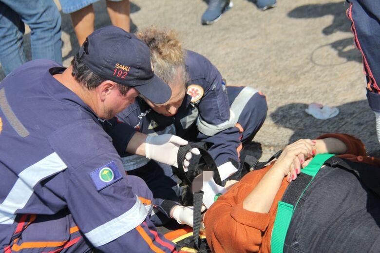 Após sair da farmácia, mulher é atropelada na Vila Nery - Crédito: Maycon Maximino