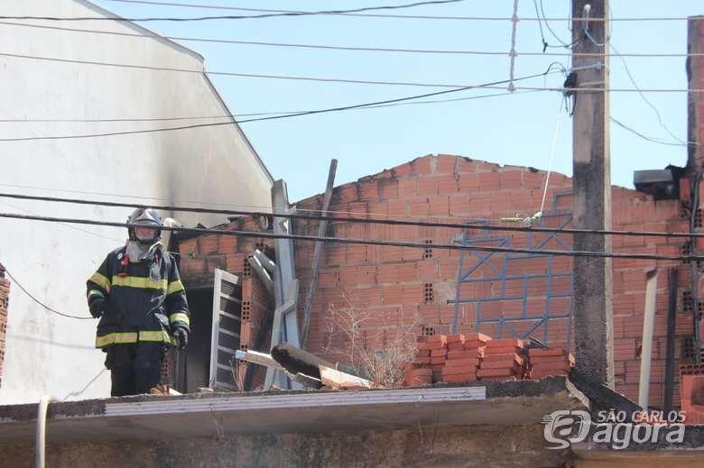 Casa pega fogo no Jardim Itamaraty - Crédito: Maycon Maximino