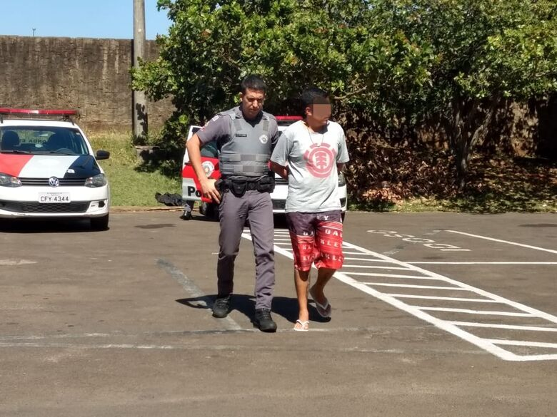 Homem é flagrado com cocaína em bar - Crédito: Luciano Lopes