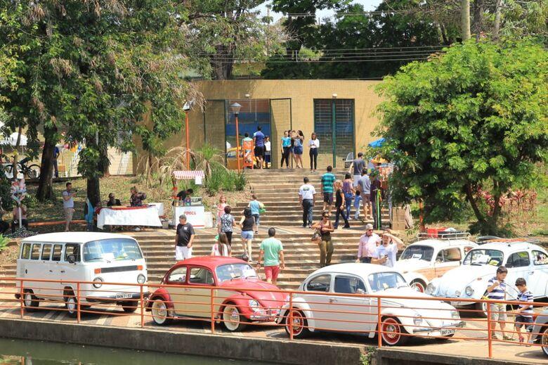Fusquinhas e carros antigos encantam no Parque Bicão - Crédito: Marco Lúcio