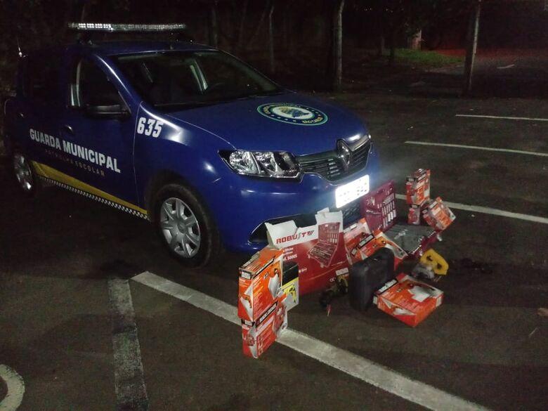 Guarda Municipal apreende produtos de origem duvidosa - Crédito: Divulgação