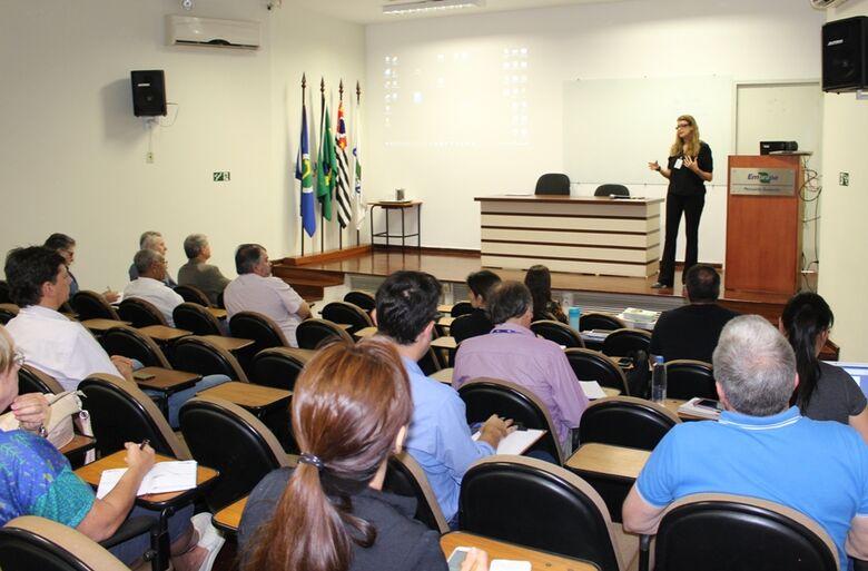 Especialistas discutem em São Carlos estratégias para controlar crescimento populacional de capivaras e javalis - Crédito: Gisele Rosso