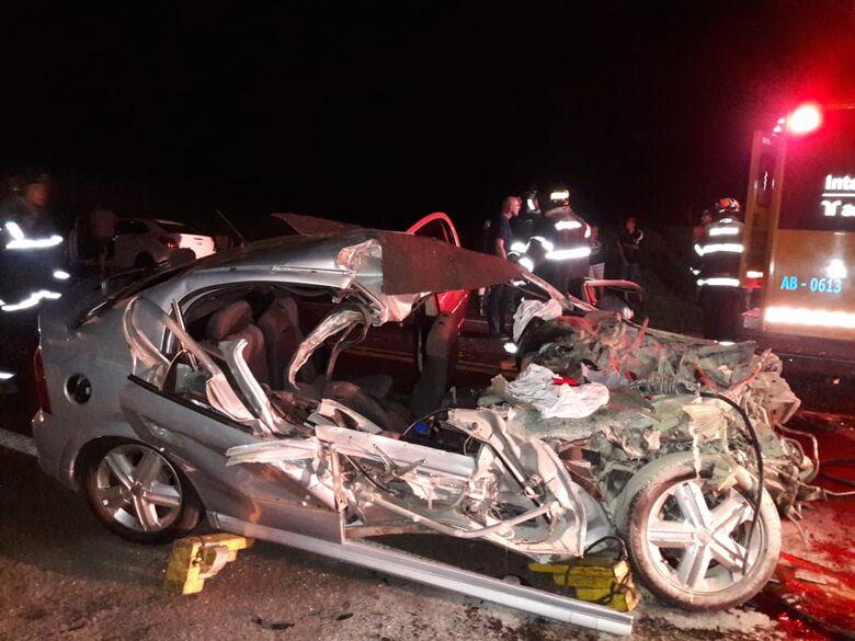 Homem morre e mulher fica gravemente ferida em acidente perto da Aparecidinha - Crédito: Maycon Maximino