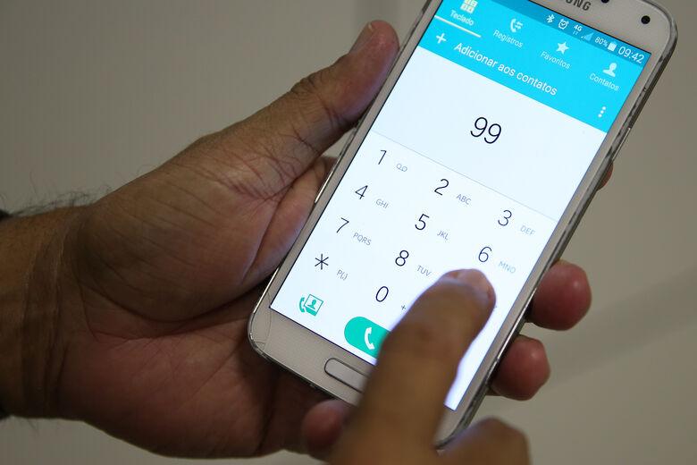 Usuários de celulares irregulares começam a ser notificados - Crédito: Agência Brasil
