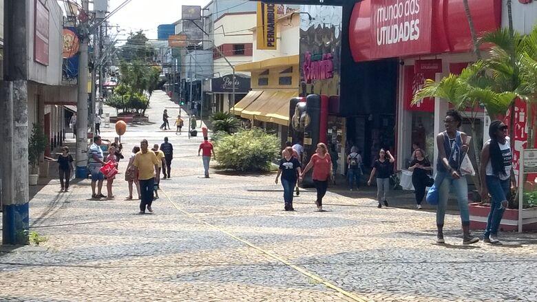 Comércio de São Carlos terá horário especial no próximo sábado (8) -