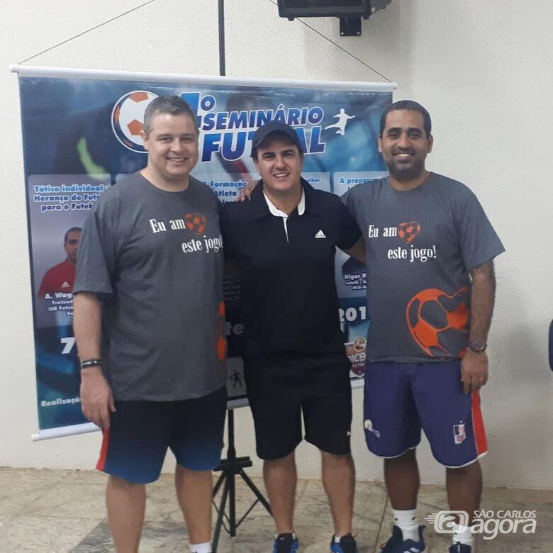 Técnico são-carlense agrega conhecimentos que serão aplicados no futsal - Crédito: Divulgação