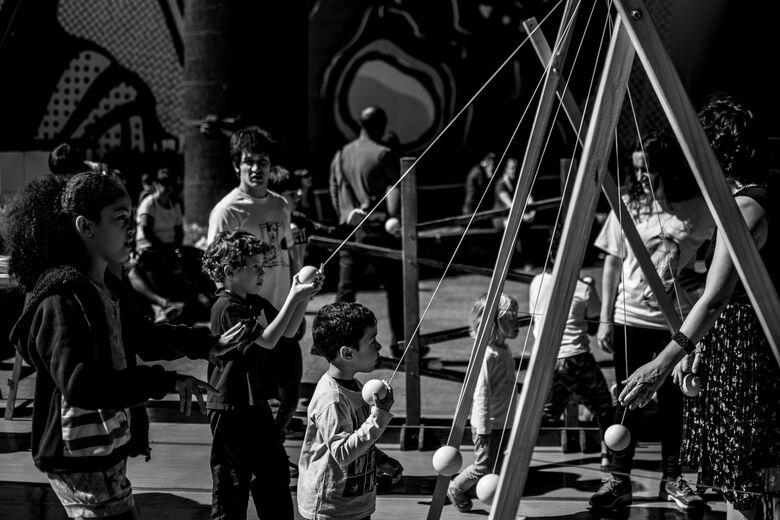 Espetáculo de circo marca o Sesc São Carlos no feriado - Crédito: Ricardo Avellar