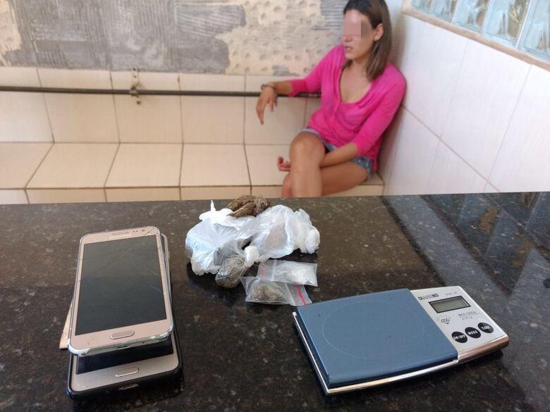 Mulheres são flagradas com 19 tijolos de maconha no Hikari - Crédito: Luciano Lopes